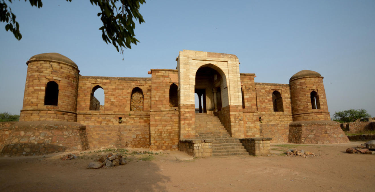 Sultan-e-Garhi (Tomb of Prince Nasiru'd-Din Mahmud), Delhi