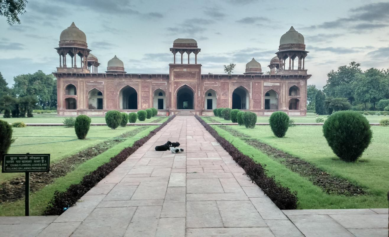 Tomb of Mariam-uz-Zamani, Agra