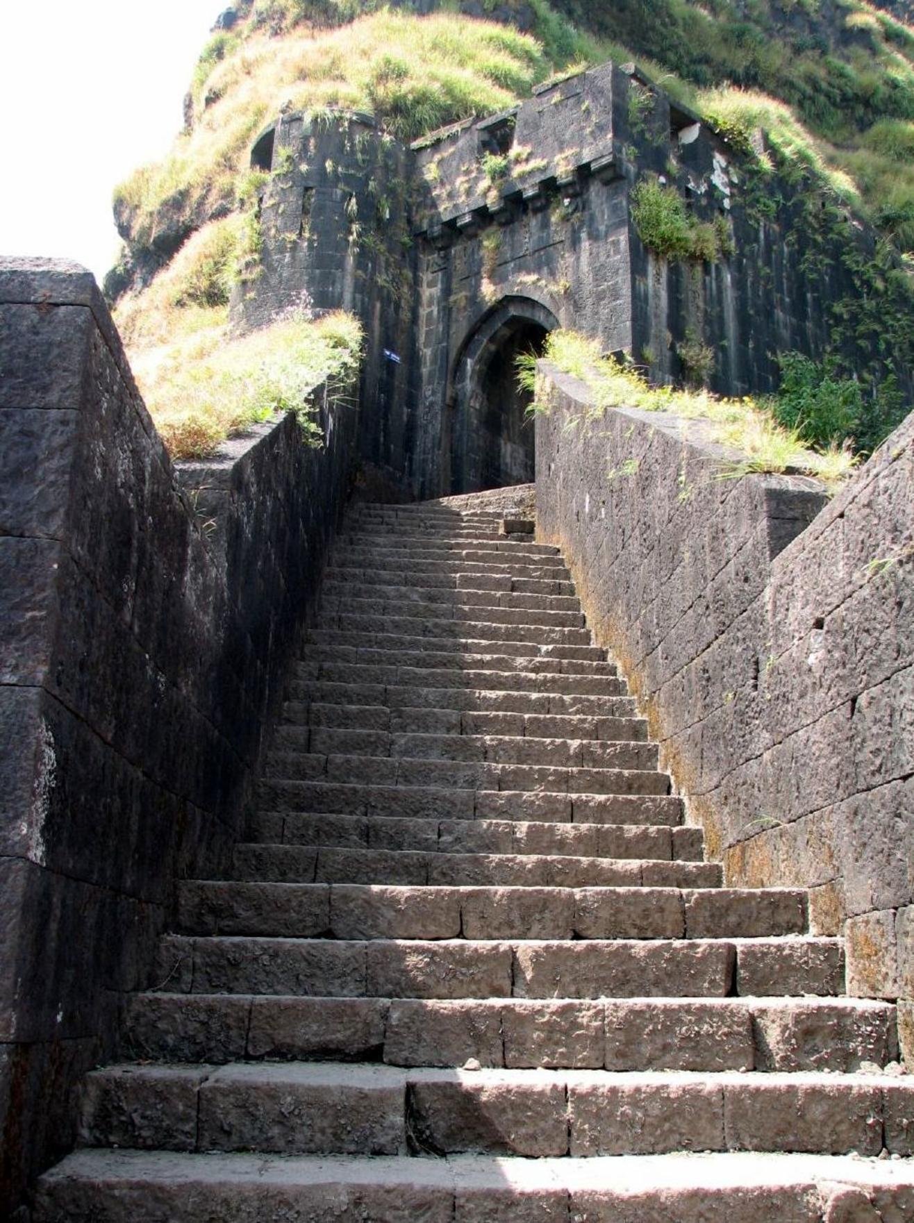 Lohagad Trek Road, Pune