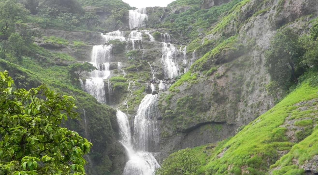 Bhandardara Monsoon Tour and Overnight Stay