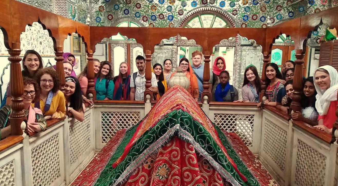 Pettah Walk In Nagarathpet: The Silk Tales.