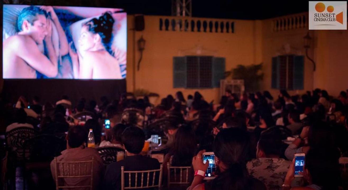 Movies & Chill - Valentine's Weekend