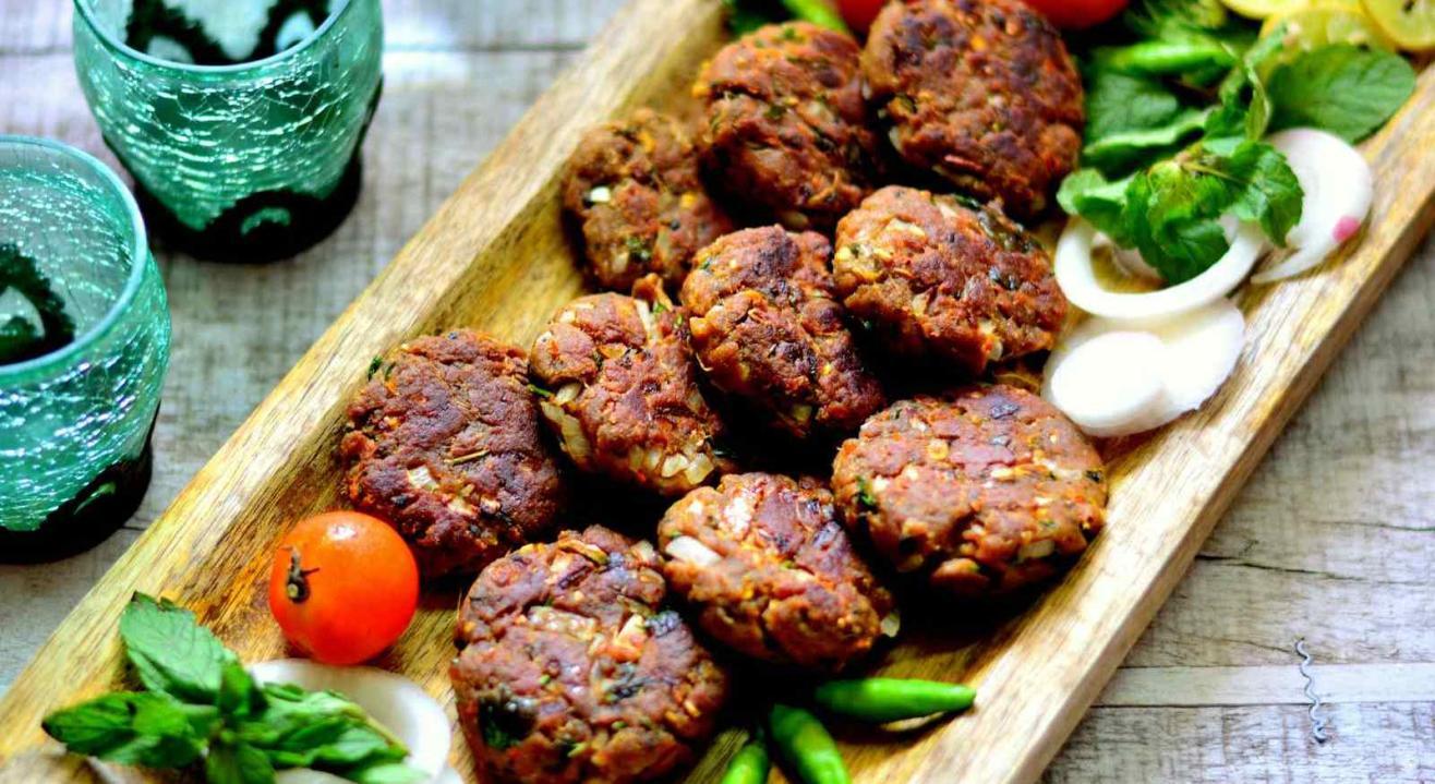Shaam-e-Awadh - An Iftar Dinner with Chef Ishtiyaque Qureshi