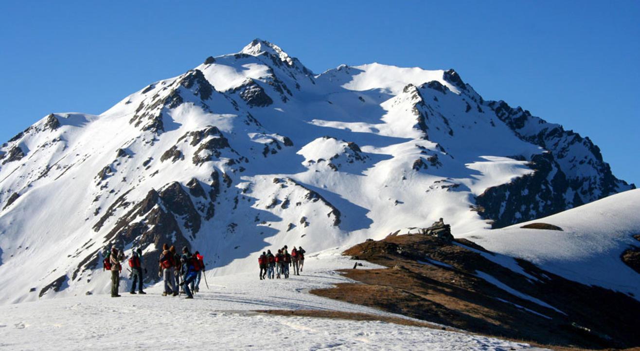 A Beautiful Sar Pass Trek | Wandertrails