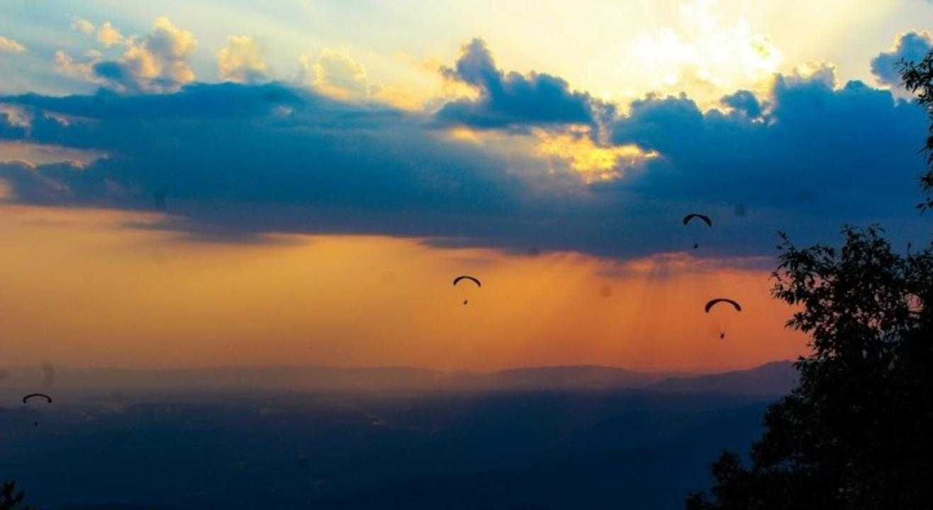 Paragliding and Trekking at Bir Billing | Justwravel