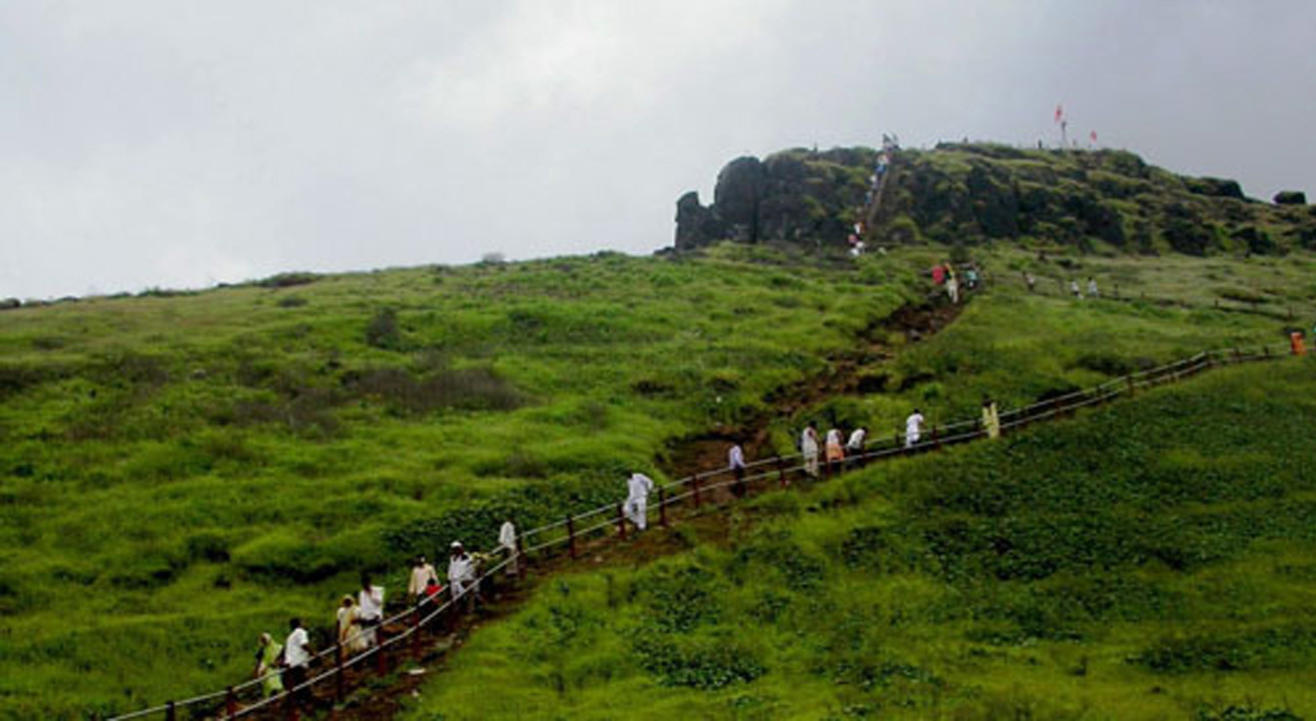 Monsoon Trek to Kalsubai | Mumbai Mountain Hikers