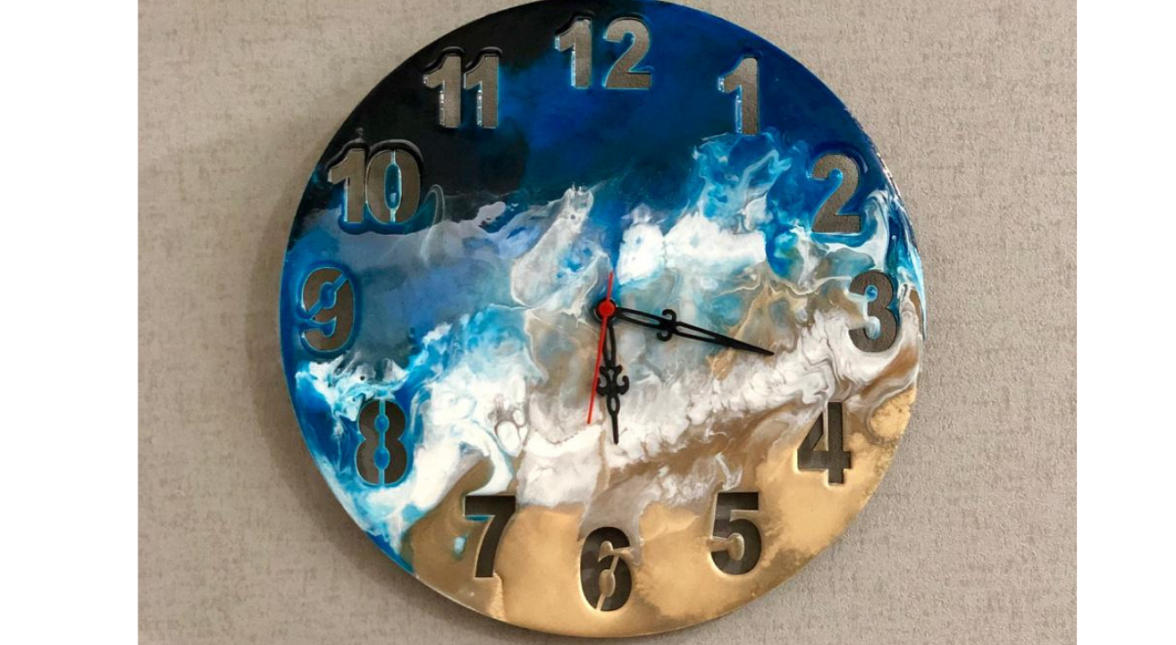 Resin on Clock