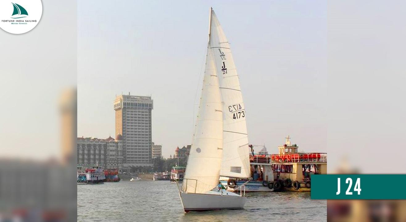 Yacht Sailing on J 24