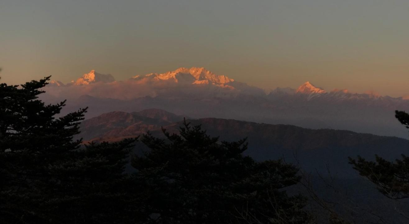 SANDAKPHU GURDUM WINTER TREK | YHAI