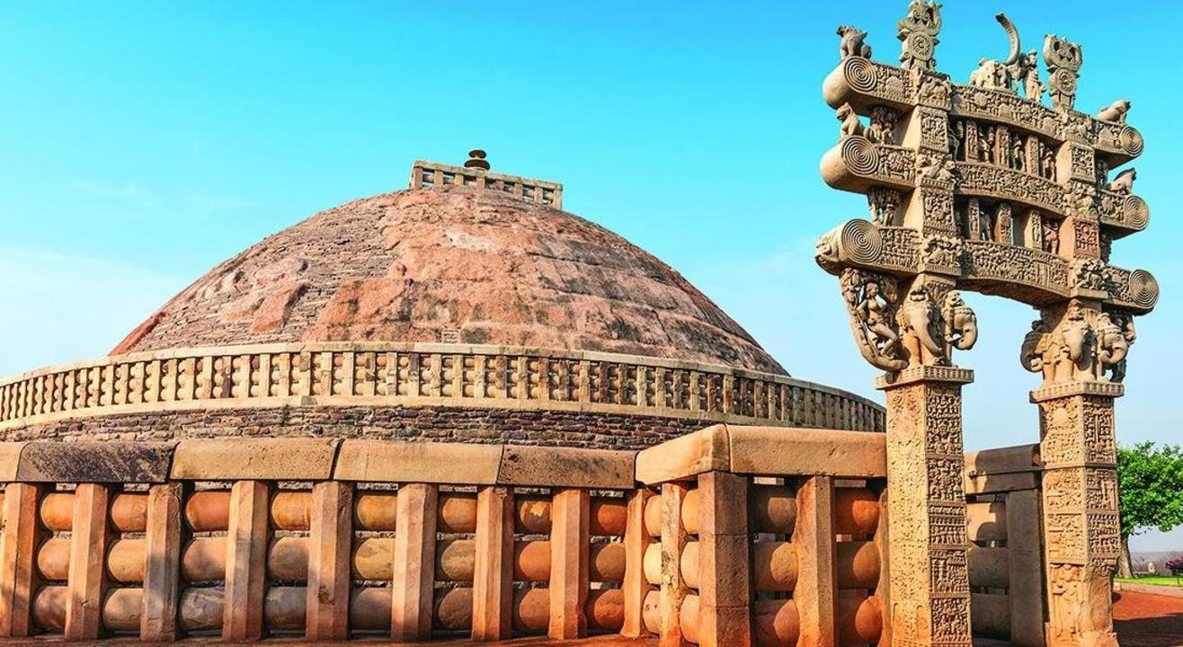 Bhimbetka Caves & Sanchi Stupa Heritage Tour