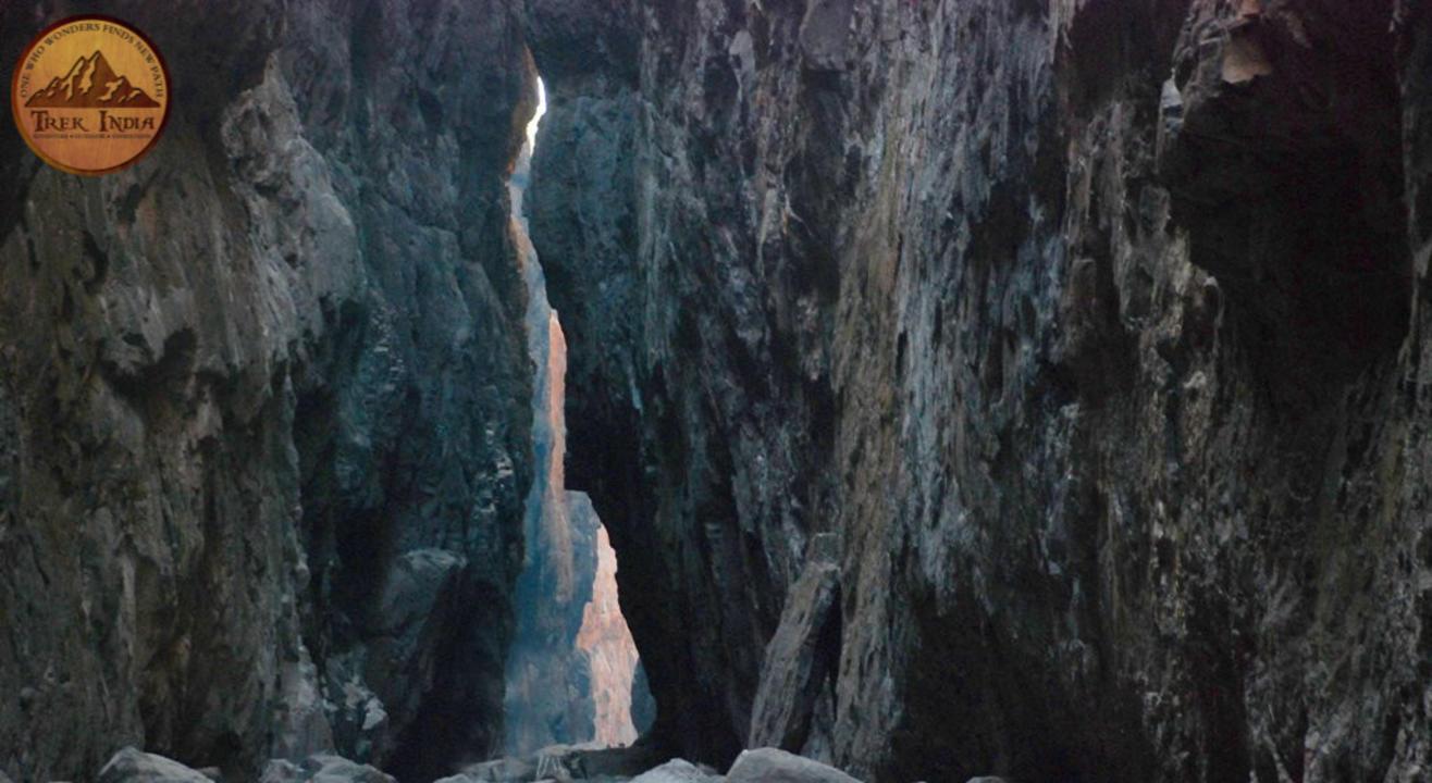 Sandhan Valley Full Descend & Camping | Trek India