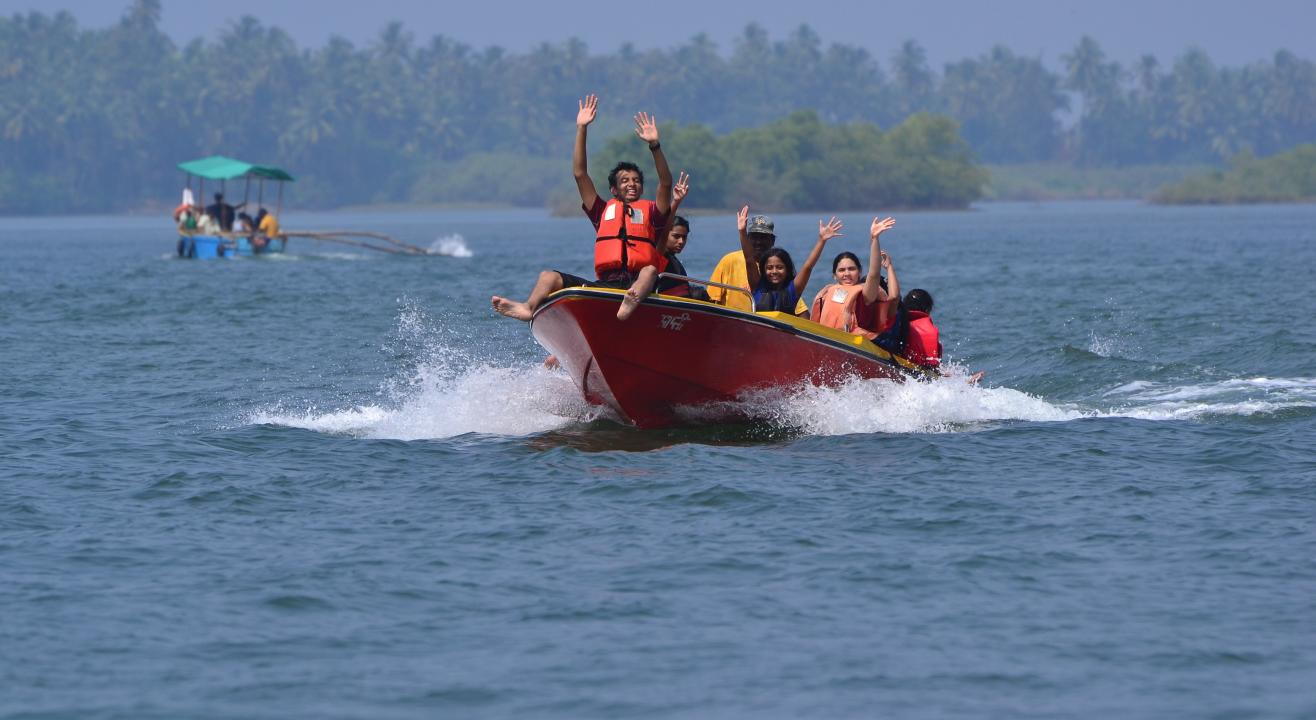 Scuba Diving & Water Sports At Grande Island Goa