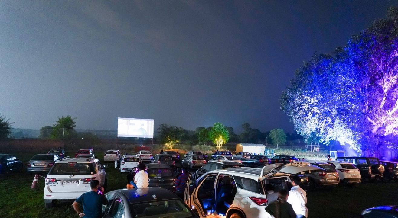 Drive-In Cinema - Oscar's Special