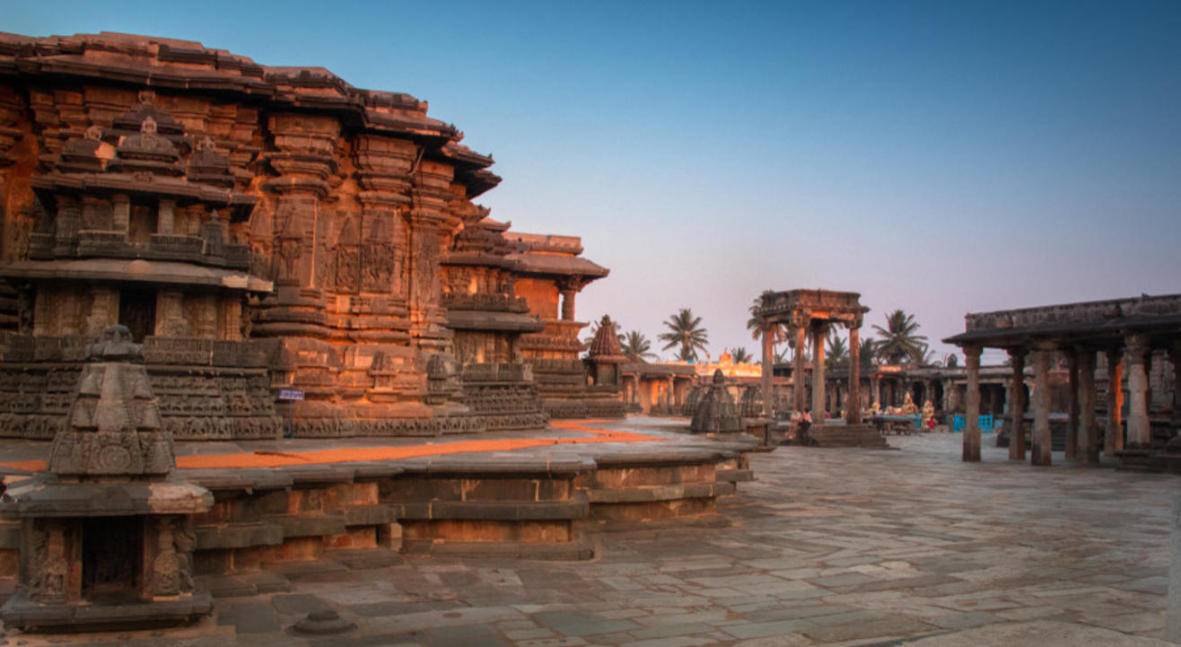 An Architectural Wonderland - Belur and Halebidu Day Trip from Bangalore - with Anirudh Kanisetti