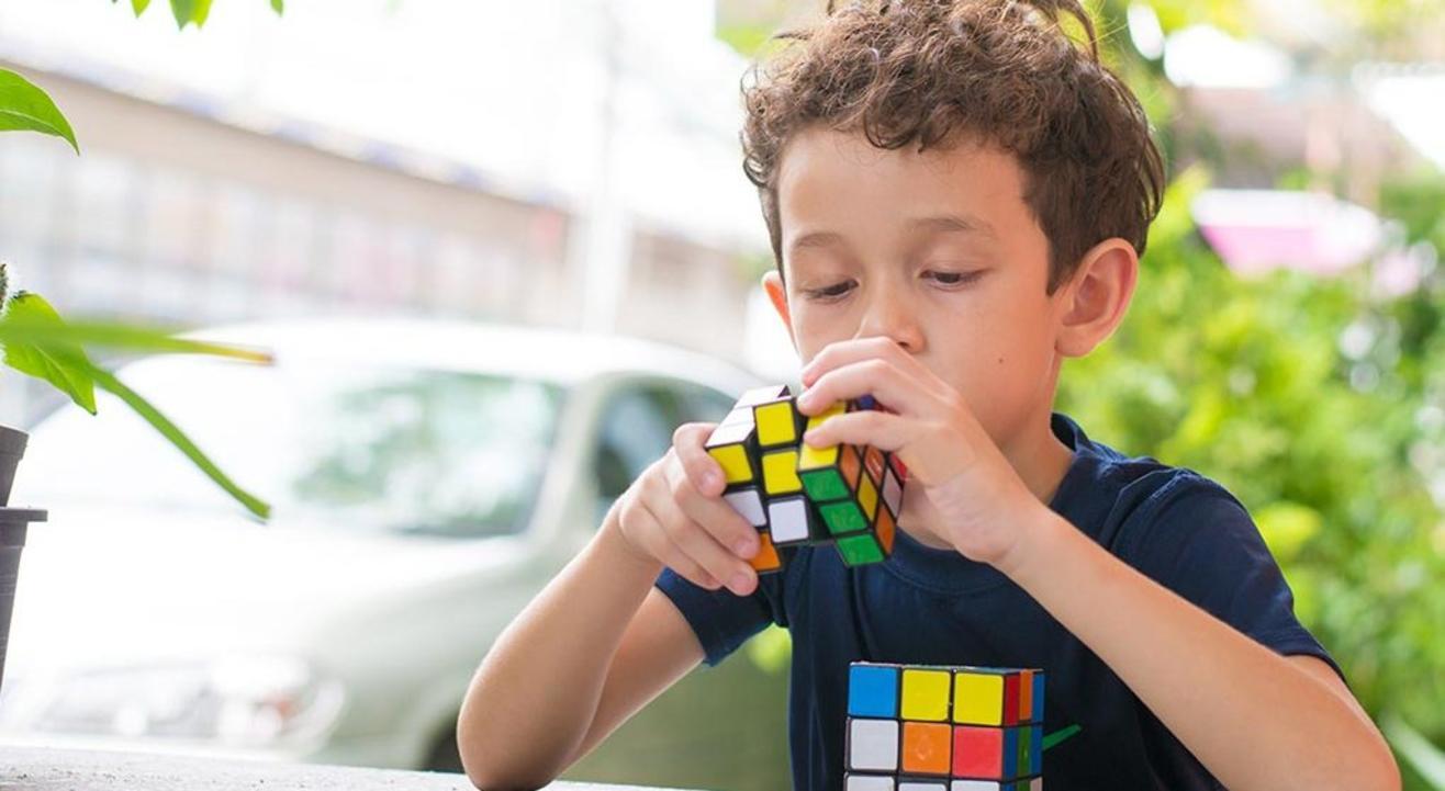 Emplihi The Rubik's Cube