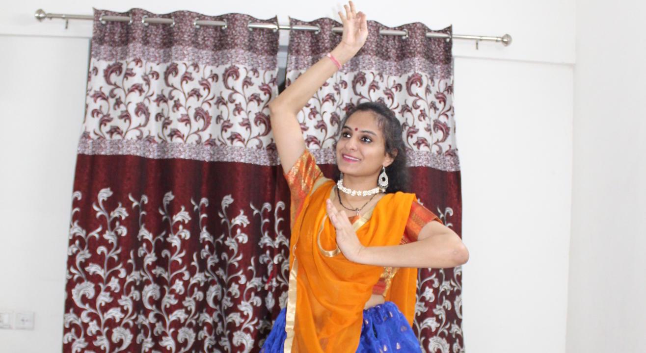"Dance@Home ""Piyu Bole Semiclassical Choreography"""