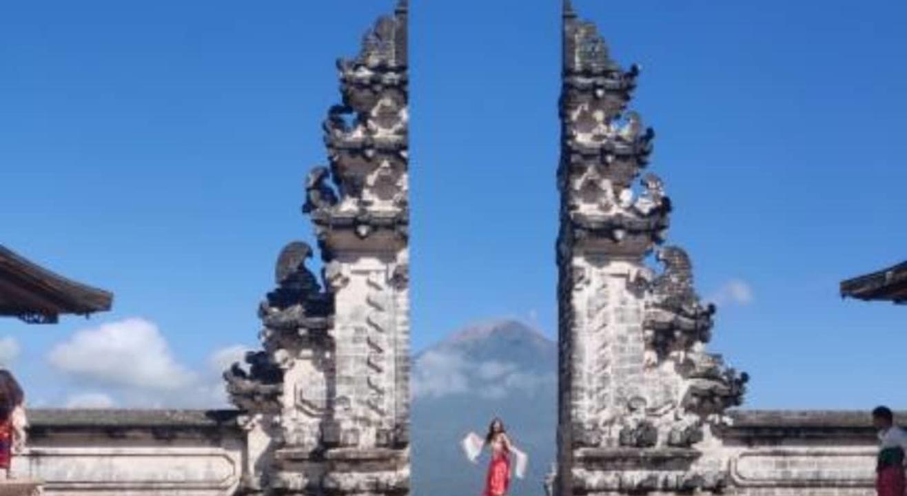 Bali with Kelingking beach (Girls Tour)