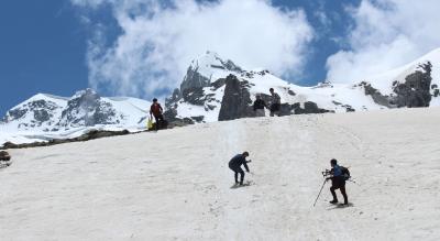 Hamta Pass and Chandratal Lake trek with Safarnama