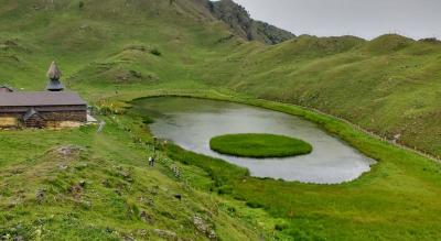 Parashar lake trek