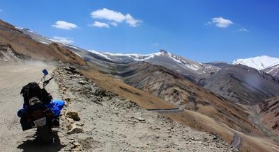 A Motor Biking Tour to Leh Khardungla   YHAI