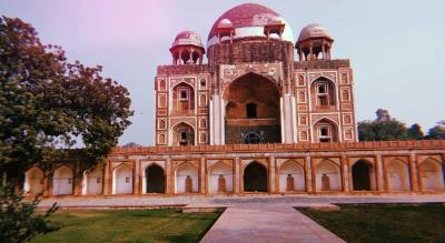 Exploring :  Tomb of Abdul Rahim khan-i-khana