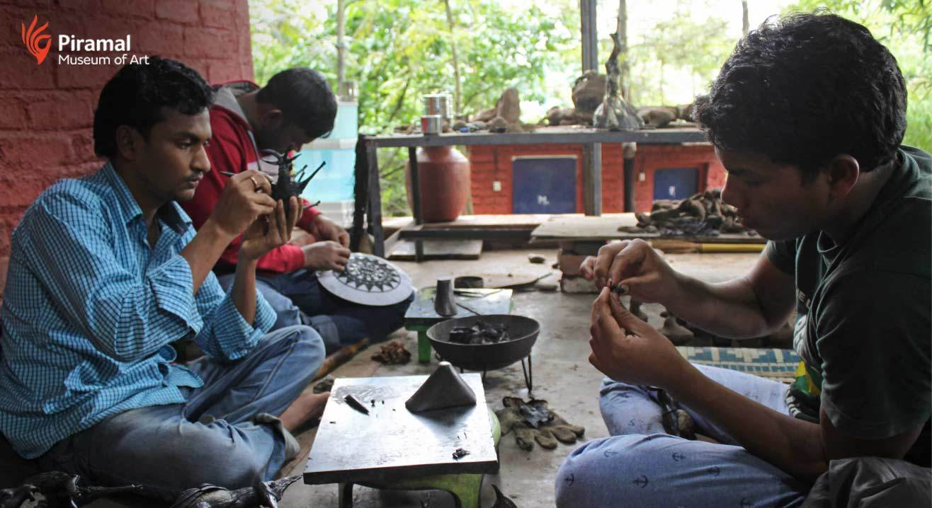 Sculpt Using River Stone and Wax - Rock Dhokra Workshop