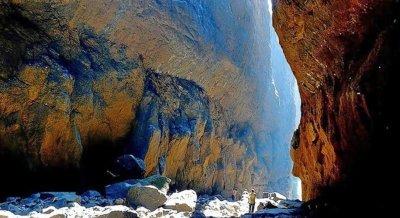 Valley of Shadows - Full Descend Trek to Sandhan Valley