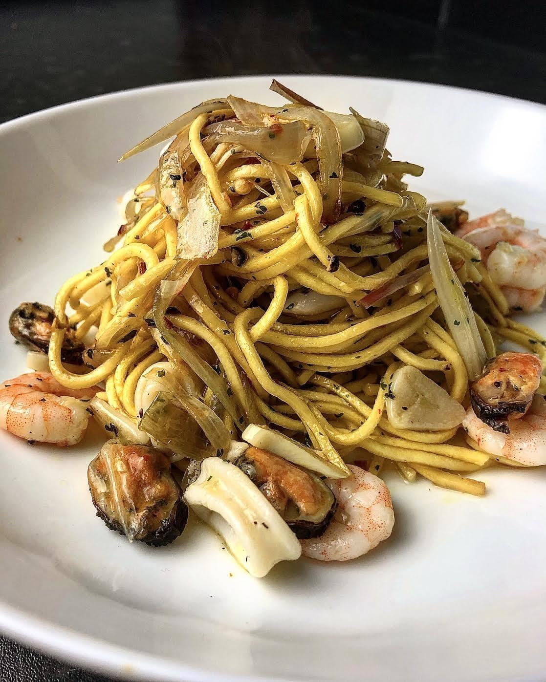Super easy Chilli & Garlic Seafood Spaghetti