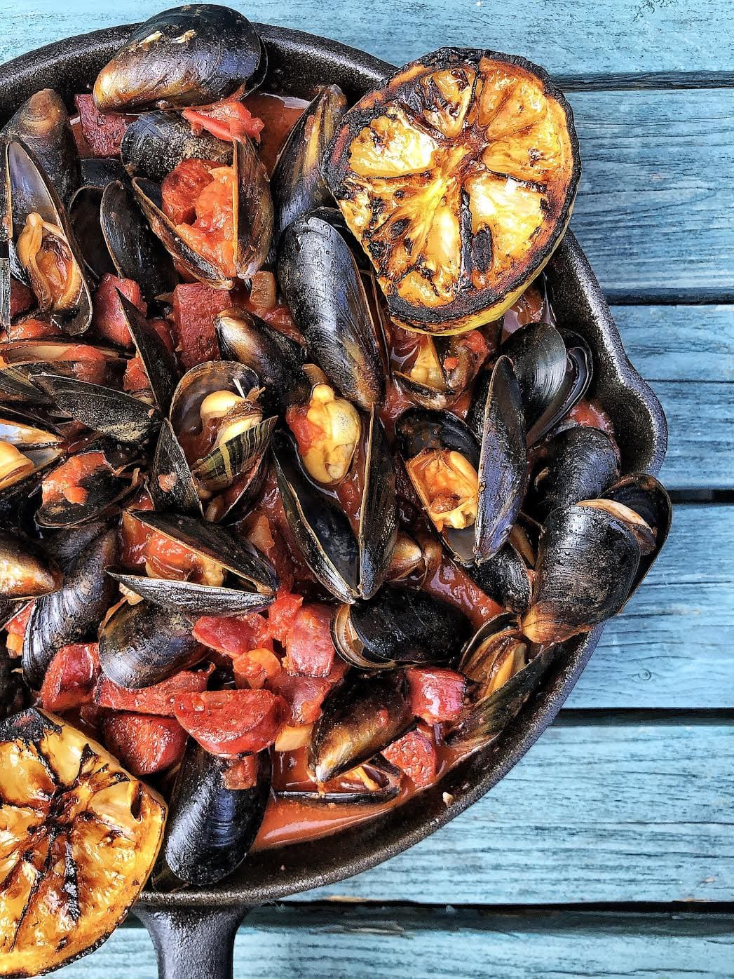 Mussels with Chorizo & Tomato