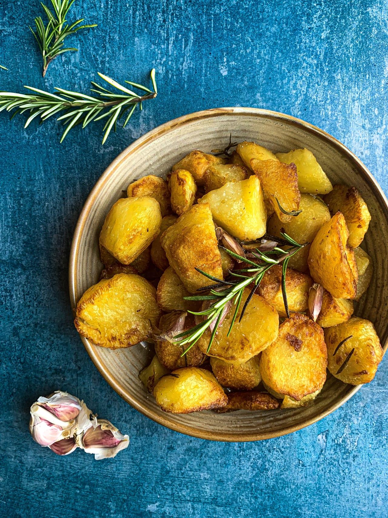 Garlic, Rosemary and Thyme Roast Potatoes