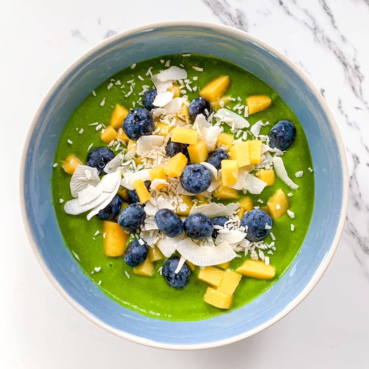 Spinach, Mango & Coconut Smoothie Bowl