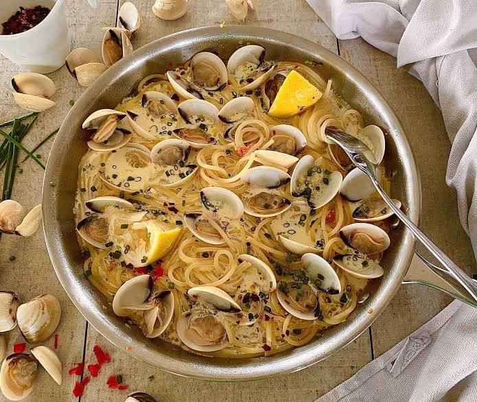 Creamy Clams with Spaghetti!