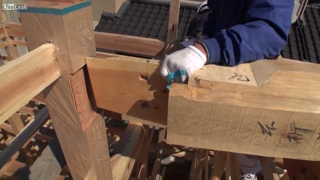 تیر چوبی ساختمان