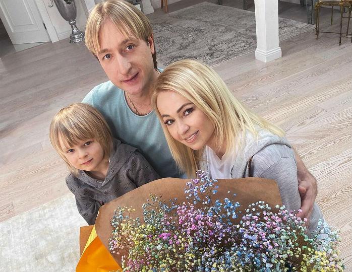 «А у Жени стройные ножки»: Рудковская и Плющенко поменялись нарядами