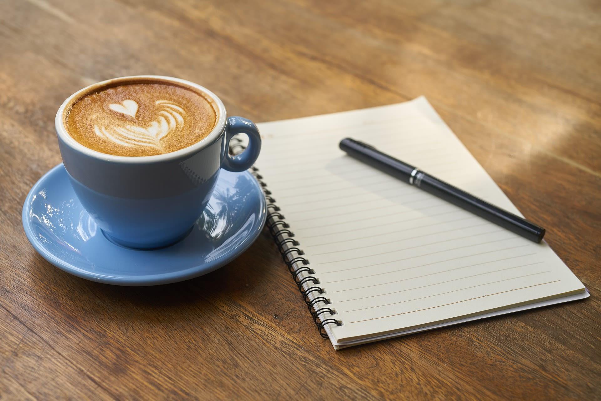 Kaffe, pen og papir.jpg