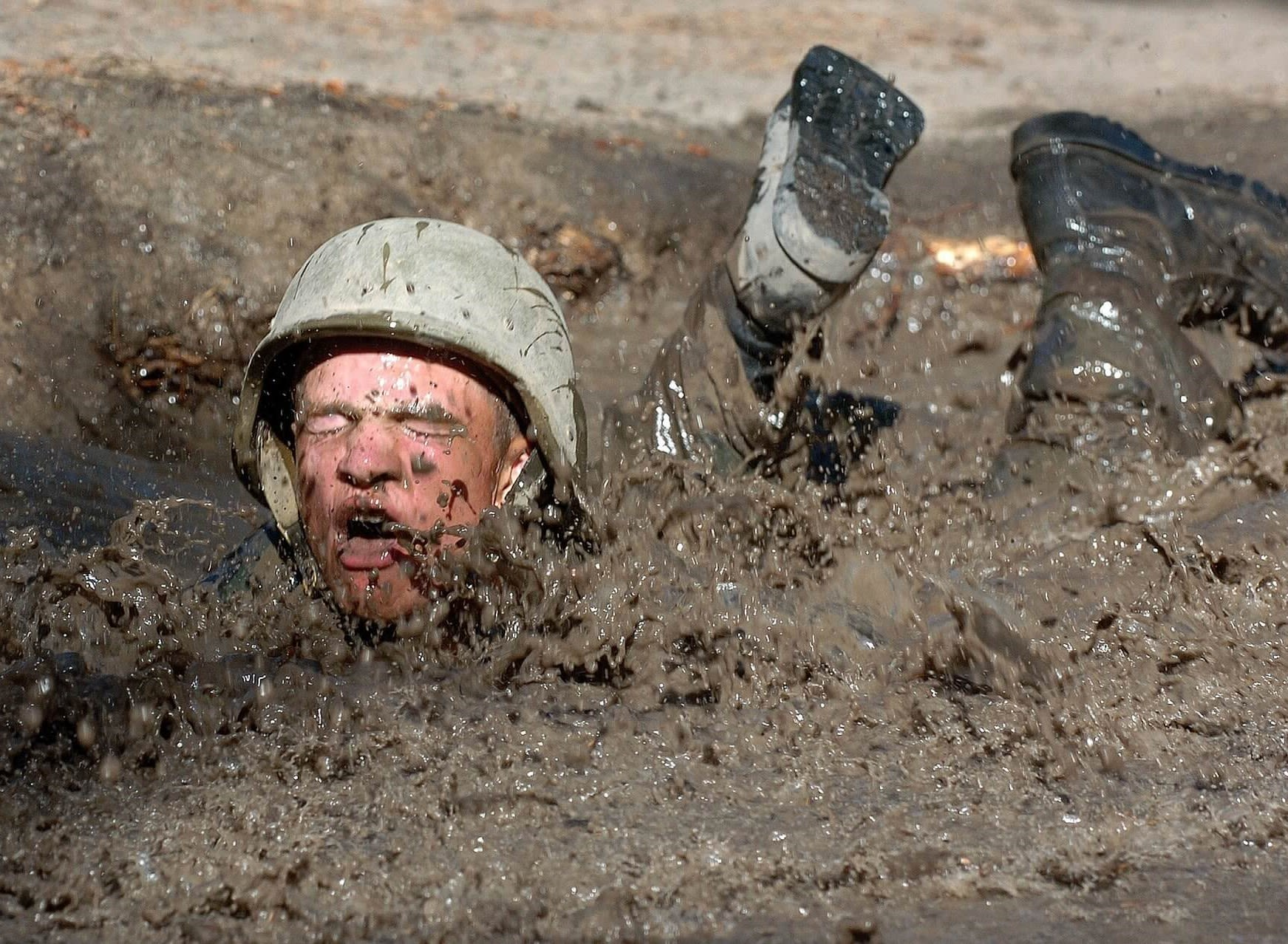 Soldat i mudder