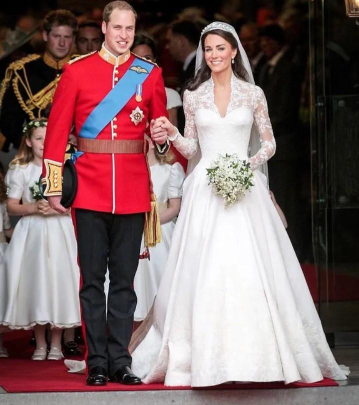 Эксперты выяснили, чем принц Уильям рассмешил Кейт Миддлтон у алтаря