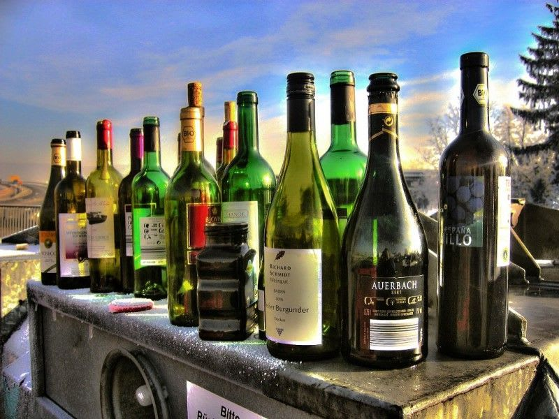 8 Alcohol Delivery Services to Keep in Mind This Labor Day