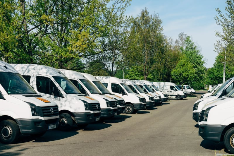How to Choose the Best Courier Management System (8 Things to Consider)