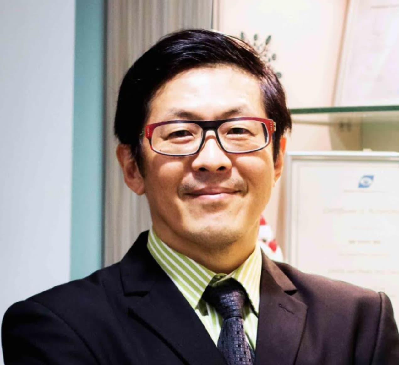 Ask Dr Tony Ho: LASIK And TransPRK