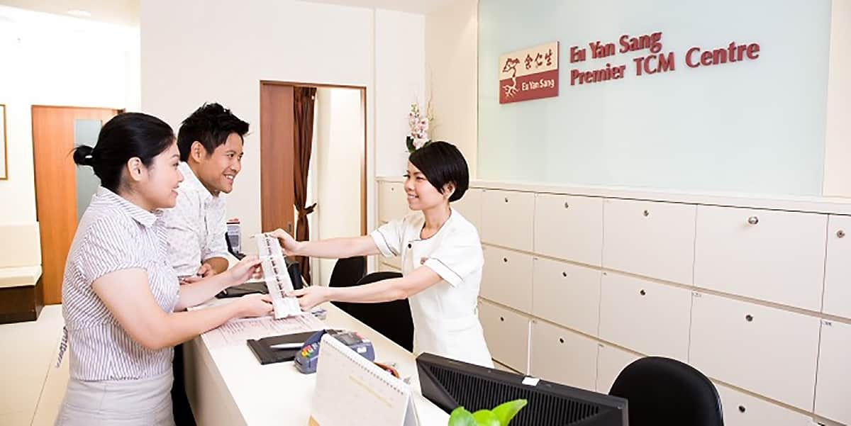 eu yan sang clinic counter