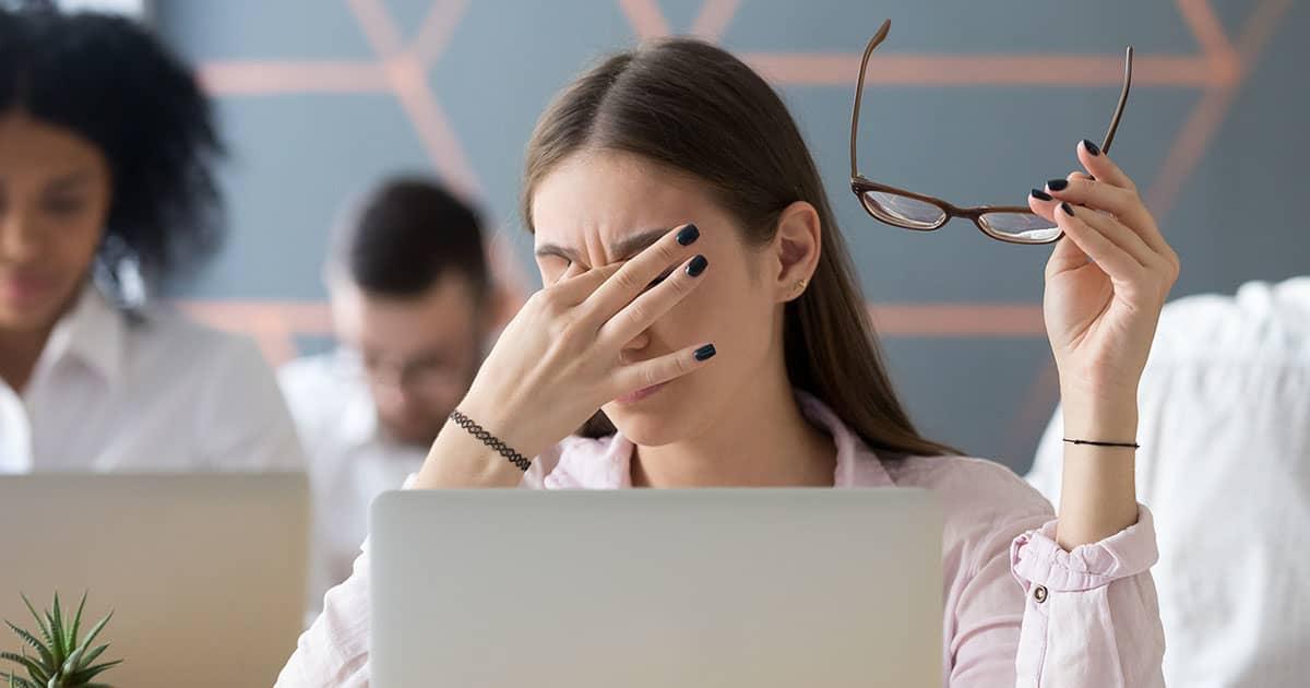 girl having tired eyes