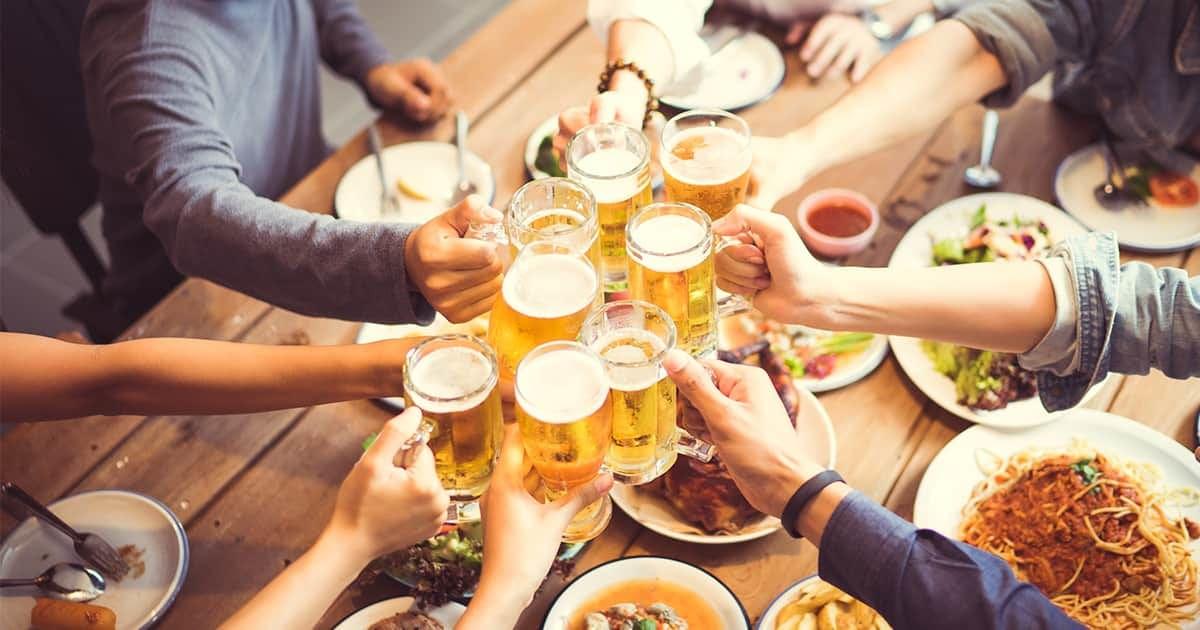 hands-holding-beer