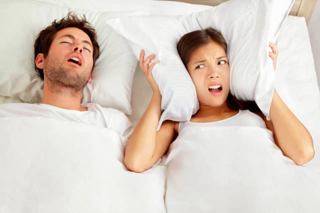 Snoring Treatment: The Essential Guide To (Not) Snoring (2019)