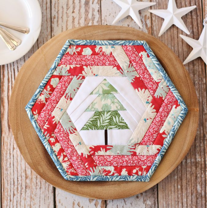 Make Your Own Christmas Table Placemats