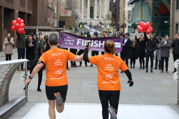 image Crazy 5 in 5 finish line in London