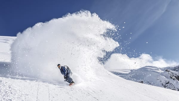 Snowboarder Powder