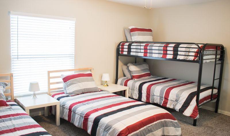 Love Field Bed 3 Women Only