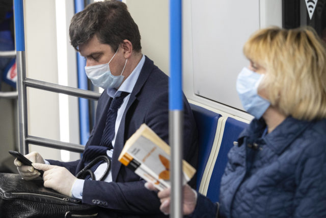 25 июля и коронавирус: больше 15 миллионов зараженных в мире, 5,8 тысяч инфицированных в России за сутки и прогнозы Миндзрава на осень