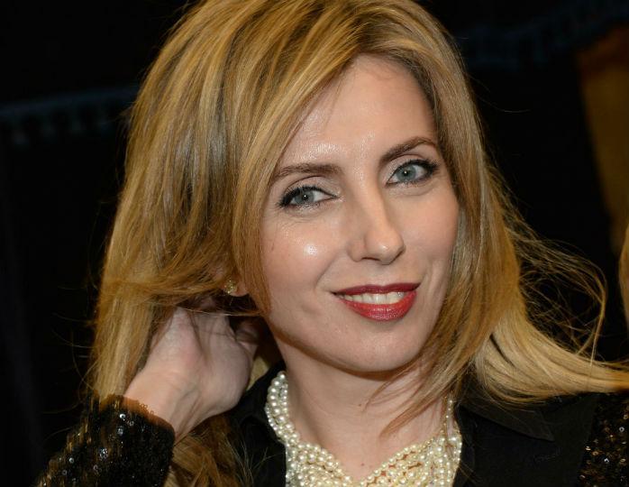 Модный конфуз: 51-летняя Бондарчук блеснула фигурой в эффектном купальнике, как у Рудковской